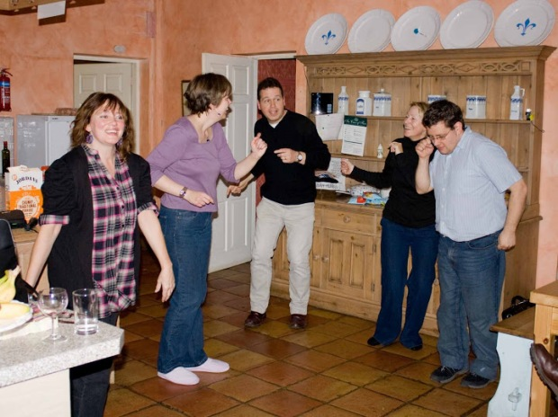 More kitchen dancing